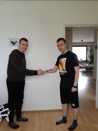 skakar_hand
